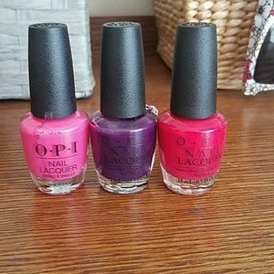 Nail polish collection with shelf